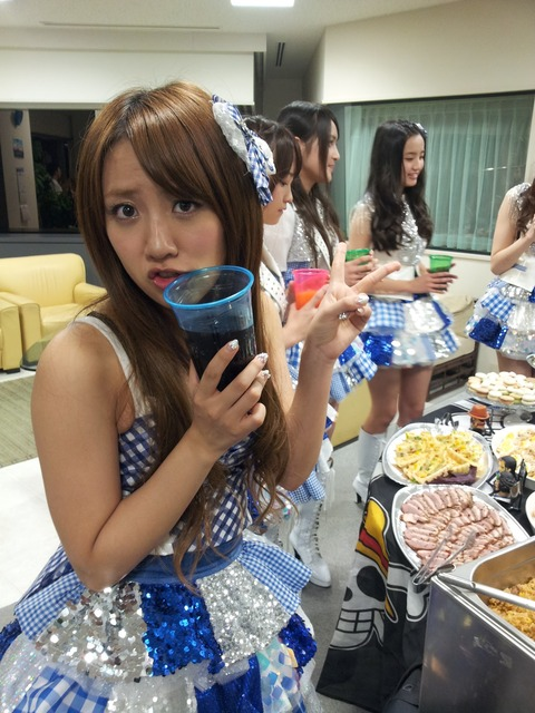 AKB48=銀座の高級ケータリング、乃木坂46=メンバー手製の豚汁