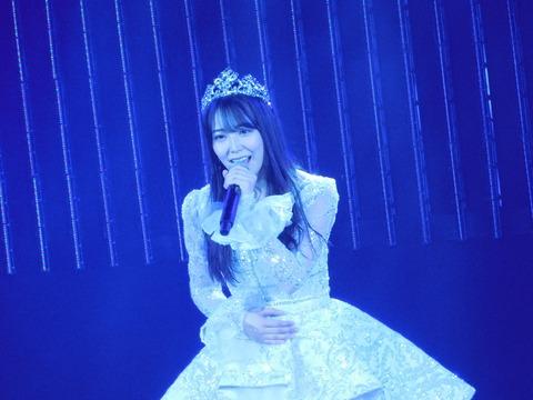 【NMB48】白間美瑠卒業公演、最後はソロ曲「いつもの椅子」を披露
