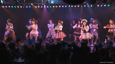 【AKB48】劇場公演でカメラ撮影が許可された結果、異様な光景がwww
