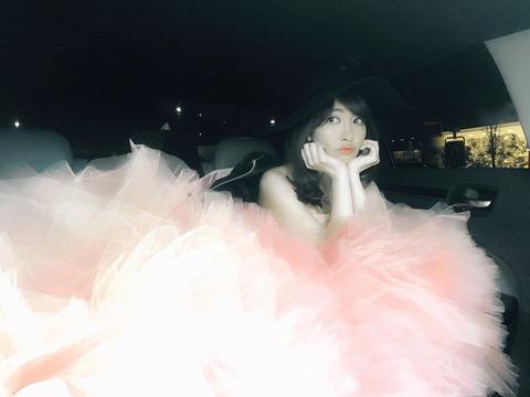 【週刊実話】AKB48小嶋陽菜さん、卒業と同時にサプライズでパイパンフルヌード公開を決意www