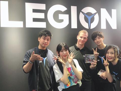 【朗報】IZ*ONE宮脇咲良さん、Lenovoの社長から超ハイスペックPCをプレゼントされる