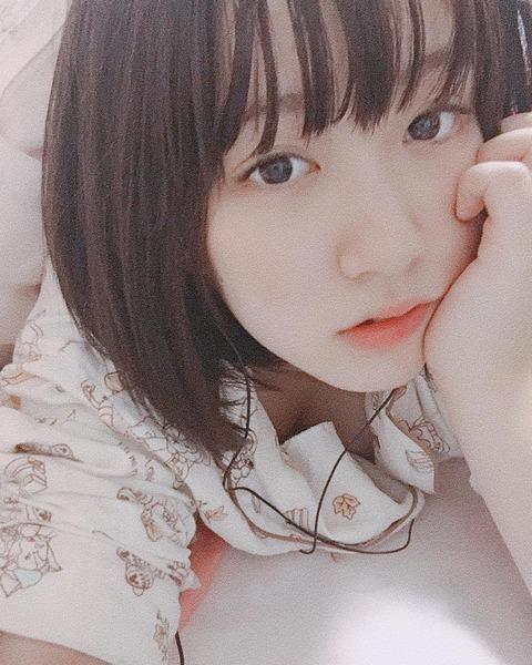 【朗報】SKE48水野愛理さん、唐突に乳を放り出すwww