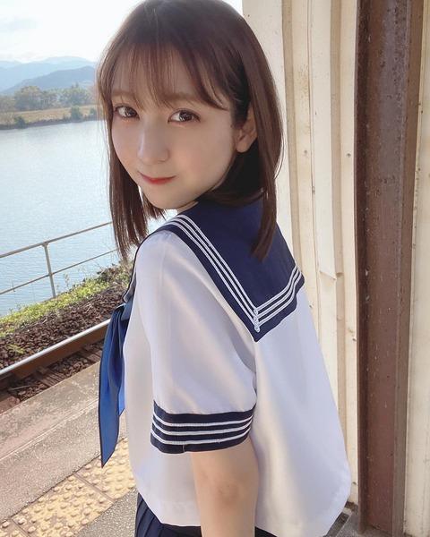 【HKT48】松岡菜摘(24歳)のセーラー服姿wwwwww