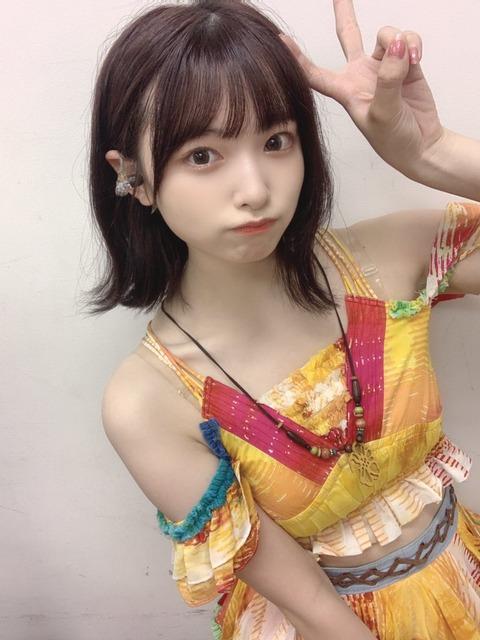 【AKB48】サマパ見て思ったんだが、久保怜音ちゃんがとんでもなくエロ可愛くなってるんだが