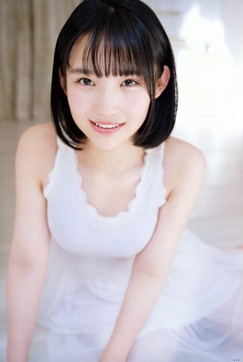 【朗報】AKB48矢作萌夏ちゃん、おっπがデカ過ぎてシャツが破けそうwww