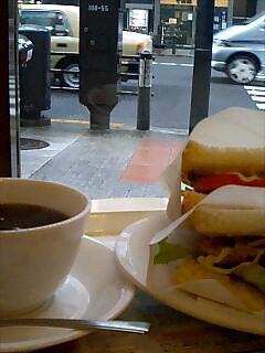サンドイッチとコーヒーの会話。