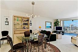 1350 Ala Moana 2910 living room