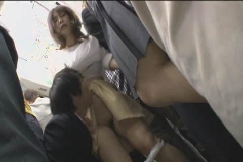娘の目の前で屈辱SEX_023