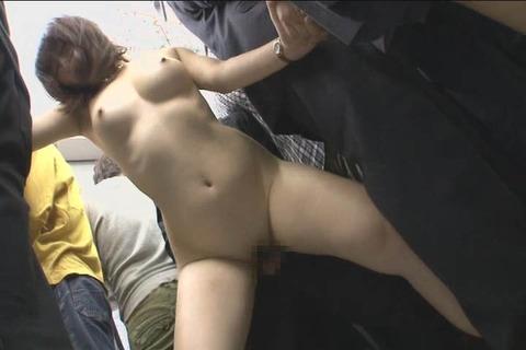 娘の目の前で屈辱SEX_046