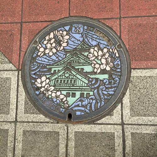 大阪のマンホール