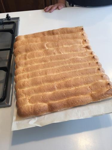 ロールケーキ作成中