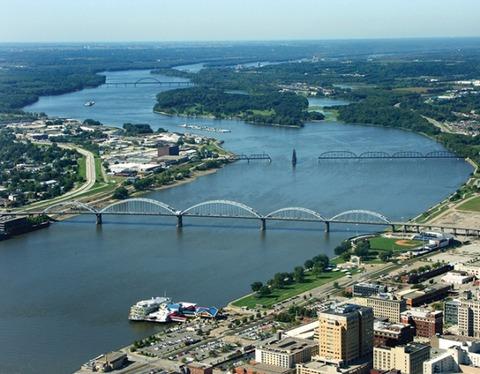 Quad City trên không uốn cong sông