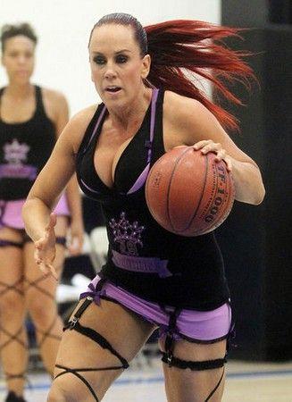 basketball-game-3-1313478571