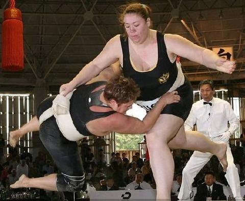 woman-sumo-4-1298629076