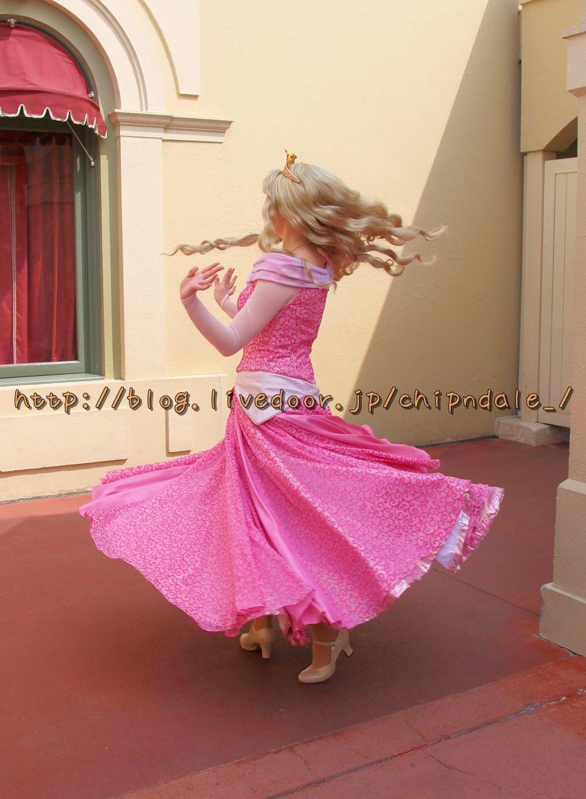 くるりとドレスを翻す. IMG_1097