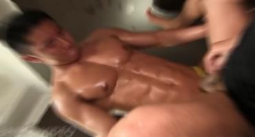 無料ゲイ動画 - [ノンケ]鍛え抜いたアスリート!!ノンケセックスを男のケツで試す!!ゴーグルマンもその激しい突きに悶絶!![アナルセックス]