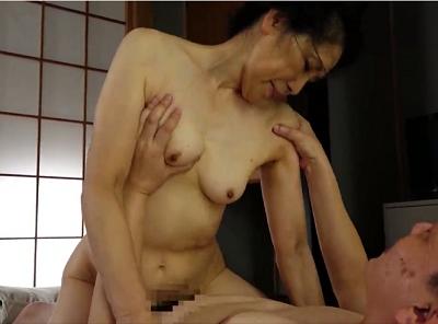 人妻無料動画 - 高齢者同士のスローセックスで70代女性老いらくの恋をしている日活ロマン映画のような熟年夫婦動画無料60歳からの性