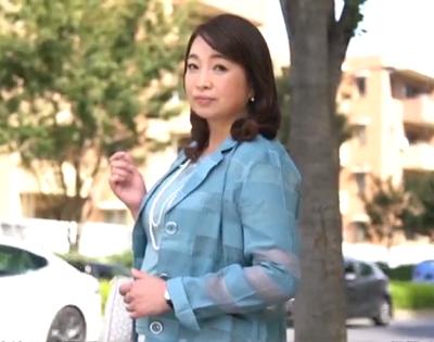 人妻無料動画 - おまんこに巨根を挿入されて中出し懇願しちゃう性欲が強い50代の素人豊満おばさんのアダルト撮影