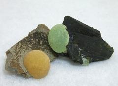 丸い方解石と葡萄石ちゃん