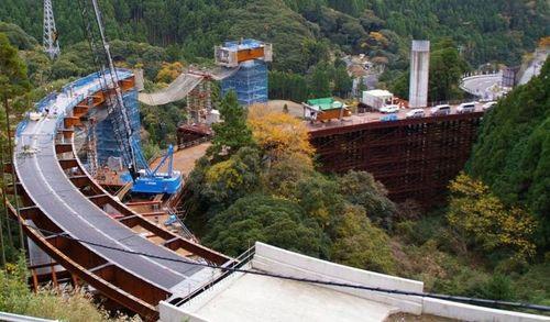 坂本ループ橋4