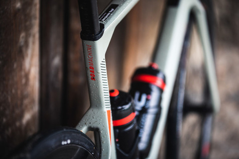 BMC-Roadmachine-carbon-endurance-road-bike-2020-50-1068x712
