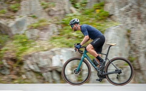 Addict-eRide-2021-action-picture02-SCOTT-Bikes_original_1