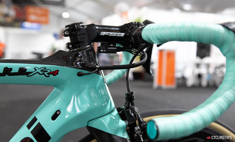 Jumbo-Visma-2020-team-bike-Bianchi-Oltre-XR4-George-Bennett-2
