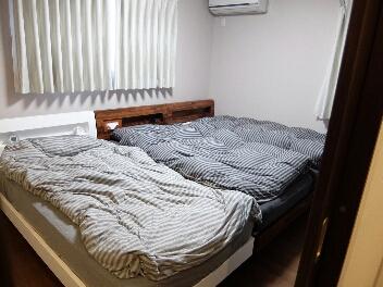 布団カバーもサラッとしたサテンが肌触り抜群で寝ていてもホント気持ちいいです。