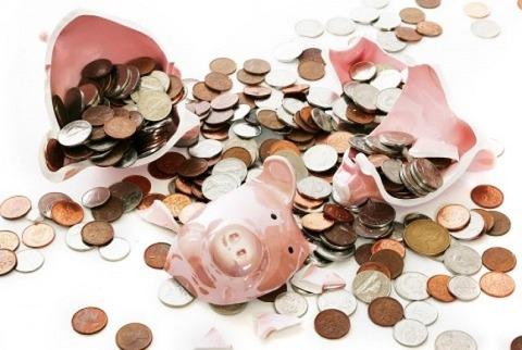 【生活レベルは下げられない?】なぜ高収入でも貯金できないのか