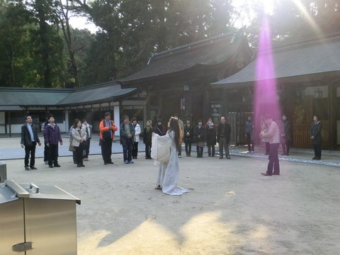 o岡野弘幹さん さのまきこさん 大山祇神社での奉納演奏