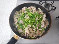 豚肉とこんにゃくのしょうが炒めP3