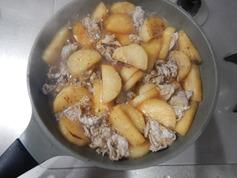 焼き大根と豚肉の煮物191118-P4
