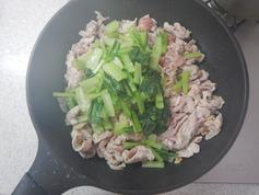 豚肉と小松菜の塩炒めP2