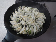 豚ニラ大葉餃子P4