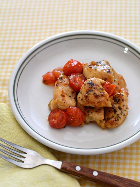 鶏トマトのガーリックバジル炒めR2