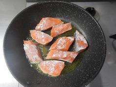 鮭とニラの黒こしょう醤油焼き190723P1