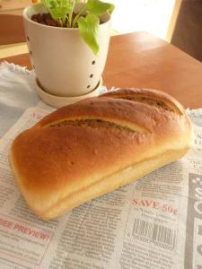 黒ごまチーズのうずまき食パン