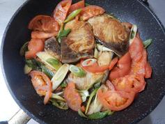 ブリのにんにくトマト照り焼き200325-P5
