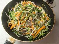もやしと豆苗の塩昆布炒めサラダP2