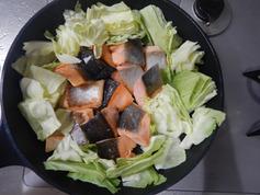鮭とニラのフライパンちゃんちゃん焼き201112-P2