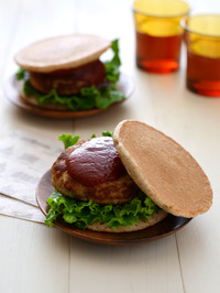 おからハンバーグライ麦パンケーキサンドR