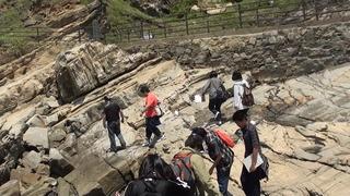 岩場を歩く_DSC01493
