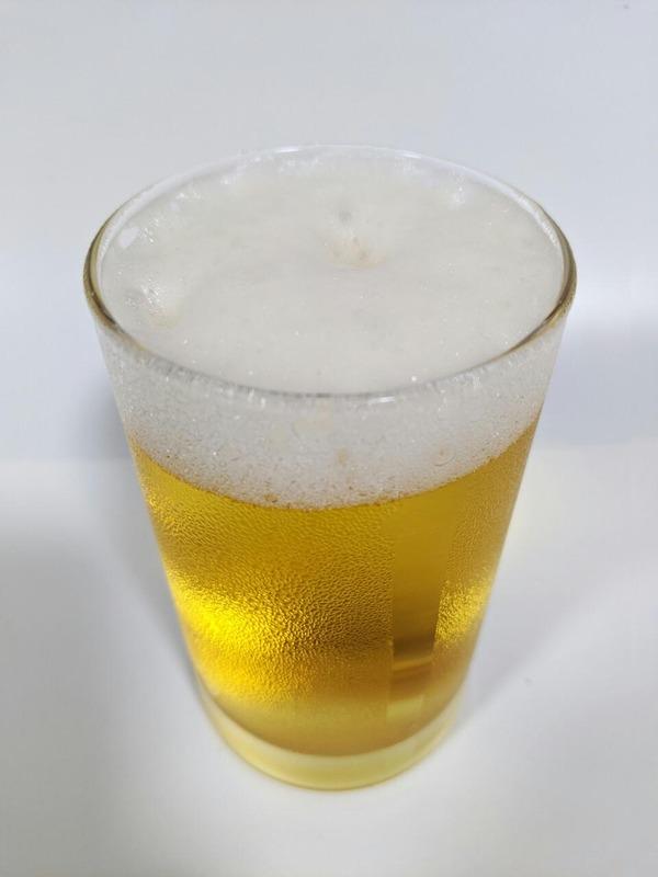 グラスに注がれたゴールデンエール