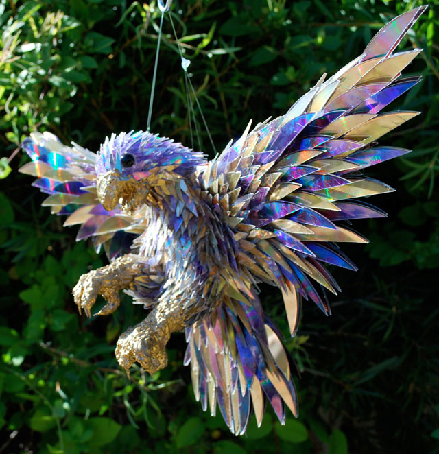 animal-sculptures-made-from-cds-1(拡大表示)