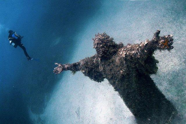 海の底にゼウス(拡大表示)