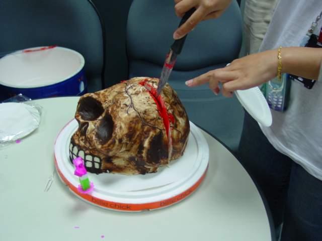 超黒いケーキ1(拡大表示)