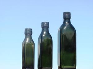 黒角調味料瓶