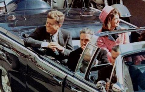 cropped_CUT_John_F_Kennedy_Jackie_Nov_22_Dallas