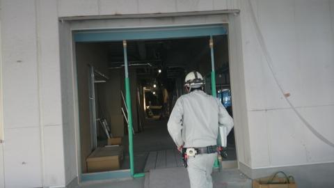 正面玄関2