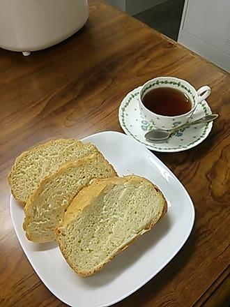 出来立てパンと紅茶